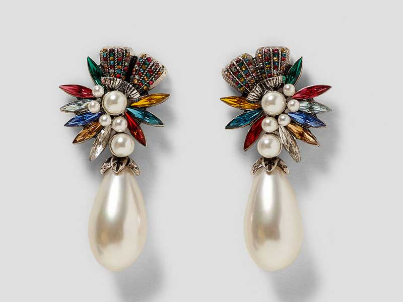 Crystal earrings by Zara available at City Centres