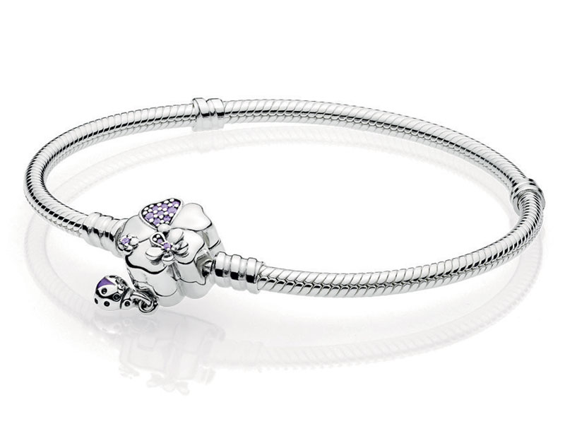 Bracelet by Pandora, available at Mall of the Emirates and Mall of Egypt, plus City Centres