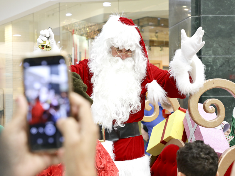 Meet Father Christmas in Dubai